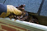cleaning-gutters